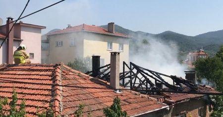 Balıkesir'de korkutan ev yangını