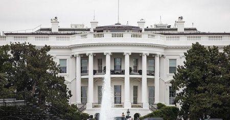 """Beyaz Saray'dan """"Kovid-19, bulaştığı kişilerin yüzde 99'u için zararsız"""" açıklaması"""