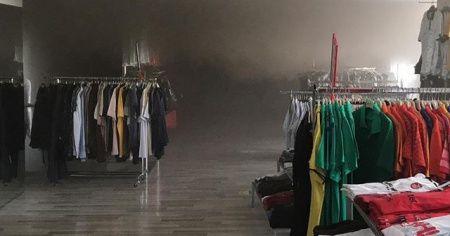 Bilecik'te bir alışveriş merkezinde yangın çıktı