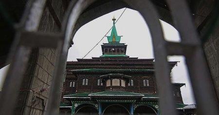 Cammu Keşmir'de Müslümanların toplanması yasaklandı