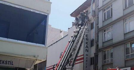 Çatı katında çıkan yangın paniğe neden oldu