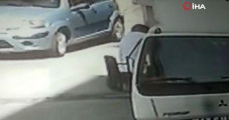 Cep telefonu hırsızlığı dakika dakika güvenlik kamerasına yansıdı