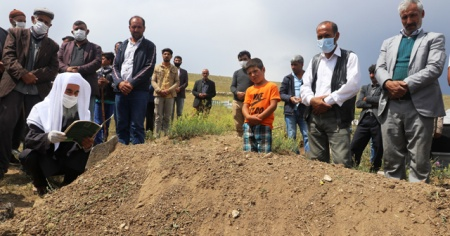 Cezayir'de ölen dayı ile yeğeninin cenazesi defnedildi