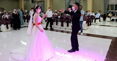 Diyarbakır ve Elazığ'da düğünler Kovid-19 tedbirleriyle yapılmaya başladı
