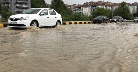 Doğu Marmara ve Batı Karadeniz'de sağanak etkili oluyor