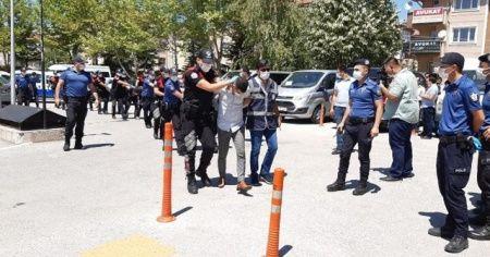 Düğünde polisleri yaralayan 6 kişiden 5'i tutuklandı