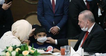 Emine Erdoğan'dan 15 Temmuz paylaşımı