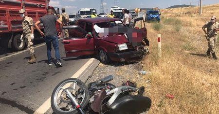 Gaziantep'te otomobil ile motosiklet çarpıştı