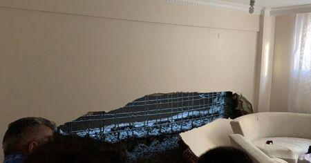 Gaziosmanpaşa'da inşaat çalışması sırasında bir binanın duvarı çöktü