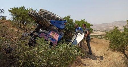 Gercüş'te traktör devrildi: 1'i ağır 2 yaralı