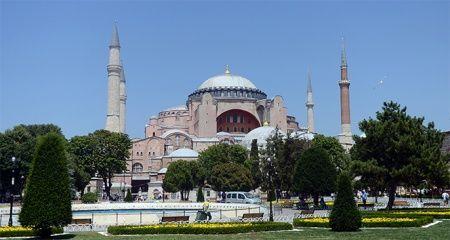 Gözün aydın Türkiye'm