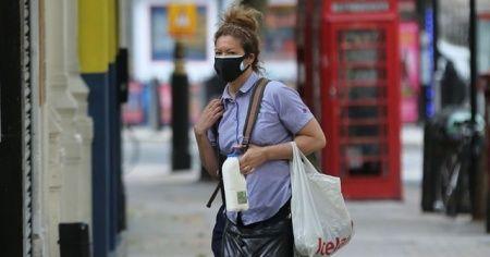 İngiltere'de alışverişte maske takmak zorunluluğu