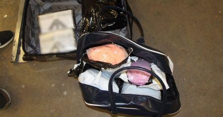 Kapıkule Gümrük Kapısında şüpheli bir tırda 135 bin adet uyuşturucu hap ele geçirildi