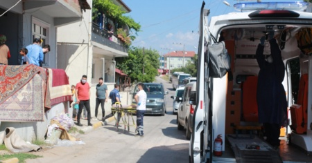 Kocaeli'de bir kadın evine gelen şahıs tarafından silahla yaralandı