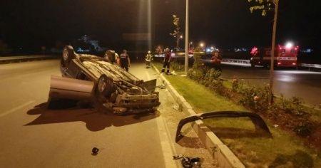 Kontrolden çıkan otomobil önce kaldırıma çarptı ardından takla attı