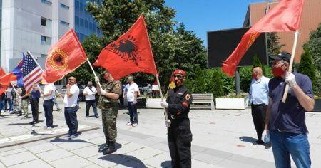 Kosova'da gazilerden Lahey'deki mahkemeye tepki: İddianame kabul edilemez