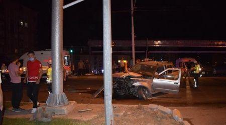 Malatya'da kırmızı ışıkta geçen araba kamyonete çarptı: 5 yaralı
