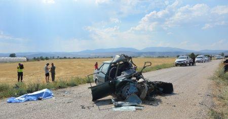 Otomobil hurdaya döndü: 1 ölü,1 yaralı