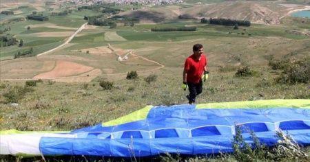 Paraşütle uçmak gençlik hayaliydi 37 yıl sonra gerçekleştirdi
