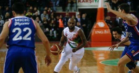 Pınar Karşıyaka Tony Crocker'la yollarını ayırdı