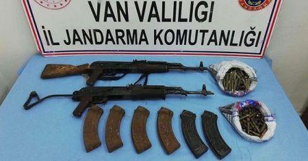 PKK'lı teröristlere ait silah ve yaşam malzemesi ele geçirildi