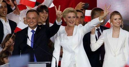 Polonya'da cumhurbaşkanı seçimini Duda kazandı
