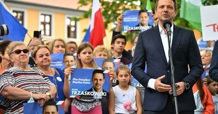 Polonyalılar, yarın sandığa gidiyor