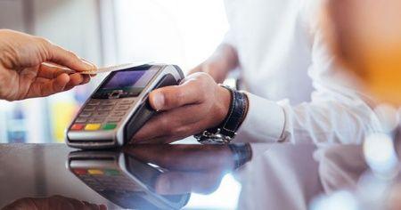 Pos cihazı ile banka kartlarını kopyalayan 5 kişi tutuklandı