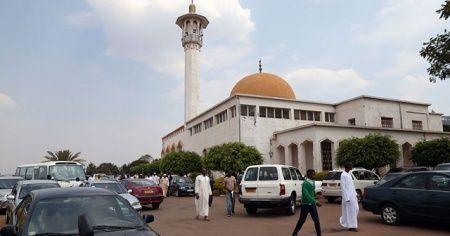 Ruanda'da Kovid-19 nedeniyle kapatılan ibadethaneler 4 ay sonra yeniden açıldı