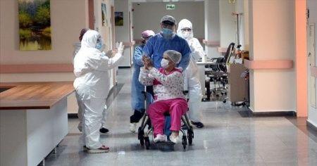 Sağlık Bakanlığı: Son 24 saatte korona virüsten 21 can kaybı, bin 16 yeni vaka
