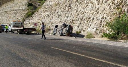 Sivas'ta otomobil takla attı: 5 yaralı