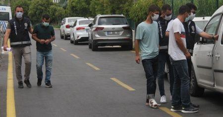 Sokakta karşılaştılar birbirlerine kurşun yağdırdılar