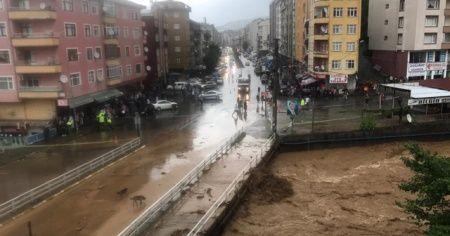 Vali Çeber: 'Son 24 saatte 250 kilograma yakın yağış aldık'
