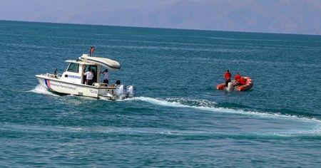 Van Valiliği: Van Gölü'nde batan teknenin yeri tespit edilmiştir