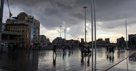 Yağmur bulutları İstanbul semalarında