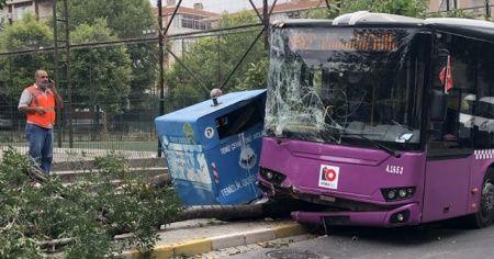 Yolcu otobüsü önce konteynıra ardından ağaca çarptı