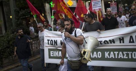 Yunan hükümetinin gösterileri kısıtlama tasarısı protesto edildi