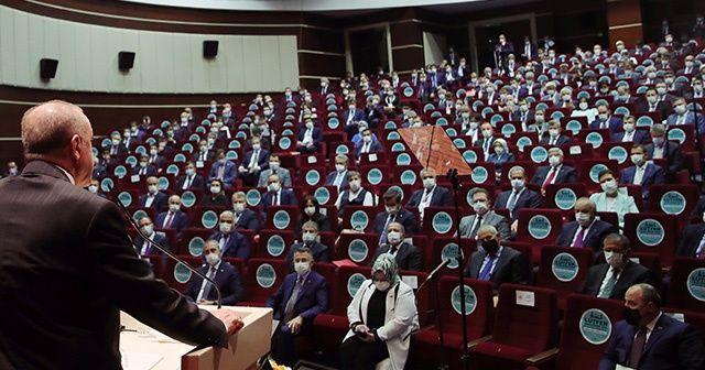 AK Parti'ye 8 belediye başkanı katıldı