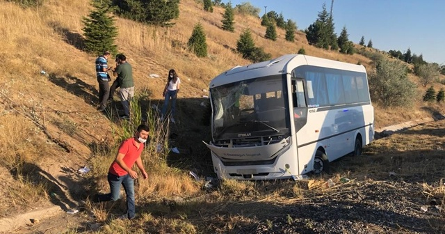 Aselsan personelini taşıyan minibüs kaza yaptı, ölü ve yaralılar var