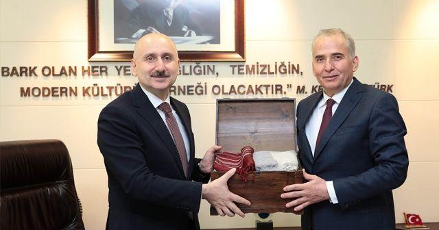 Bakan Karaismailoğlu: Aydın-Denizli Otoyolu ülkemizi de ilgilendiriyor