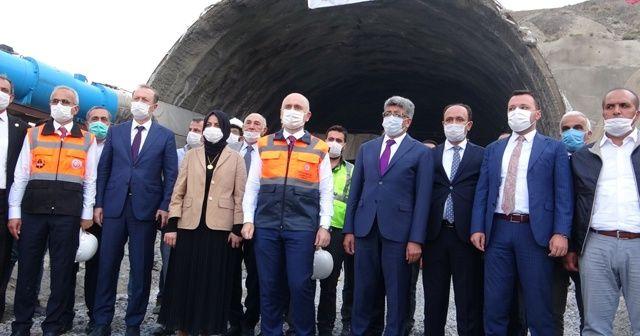Bakan Karaismailoğlu: 'Mühendislik açısından dünyanın gıptayla baktığı projeleri yapıyoruz'