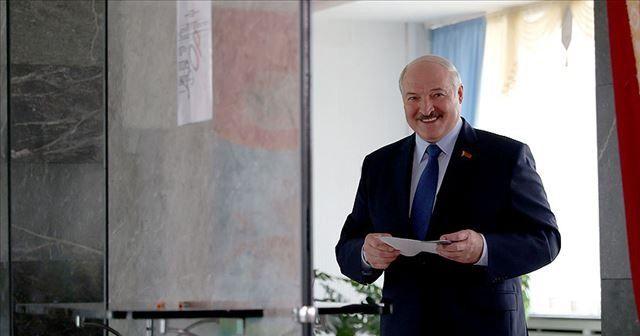 Belarus'ta sandık çıkış anketlerine göre cumhurbaşkanlığı seçiminin galibi Lukaşenko