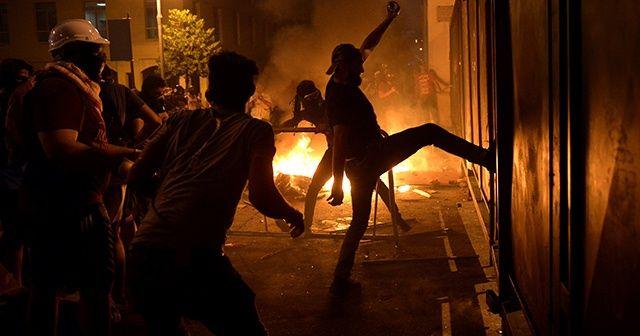 Beyrut'ta öfke sokağa taştı