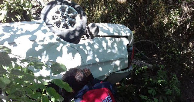 Dereye uçan otomobildeki 5 kuzen yaralandı