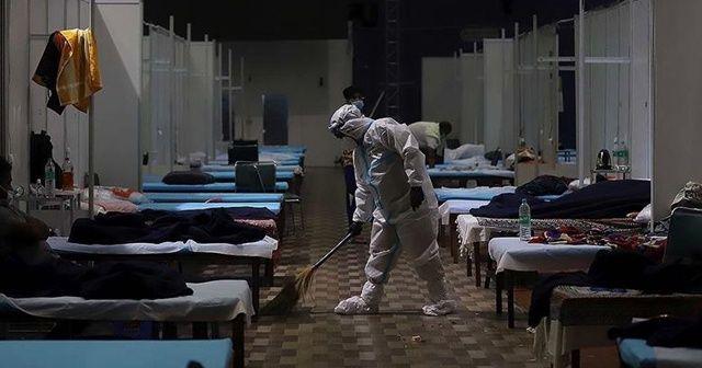 Kovid-19 nedeniyle son 24 saatte Brezilya'da 1088, Hindistan'da 853, Meksika'da 784 kişi öldü