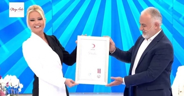 Müge Anlı'ya Kızılay'ın en prestijli ödülü: 'Platin Madalya'