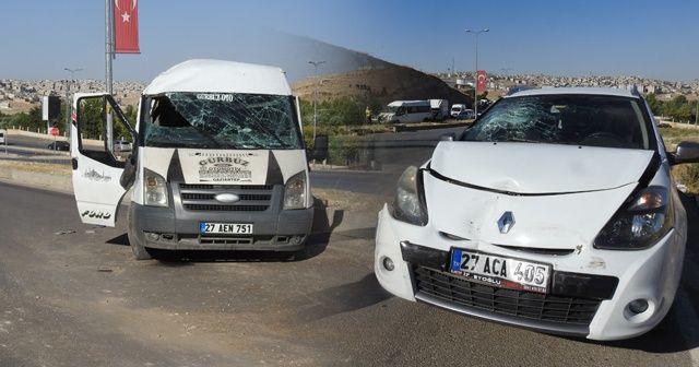 Otomobille çarpışan minibüs takla attı: 6 yaralı