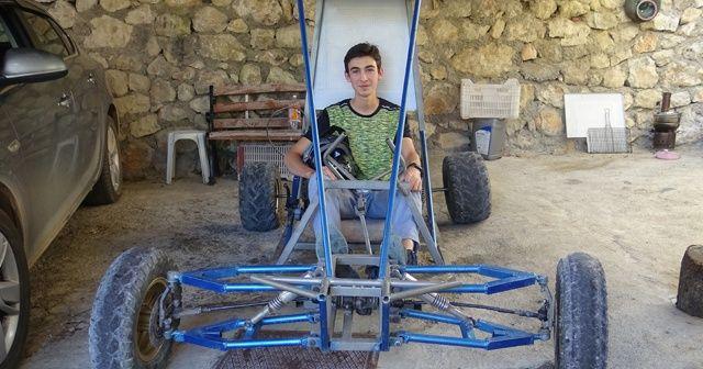 Pandemi sürecinde evde sıkılan liseli genç, su motorundan 'buggy' araba yaptı