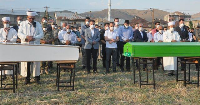 Yüksekova'daki kazada ölenler gözyaşları arasında toprağa verildi