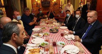 Cumhurbaşkanı Erdoğan, Üsküdar'daki bir restoranda yemek yedi